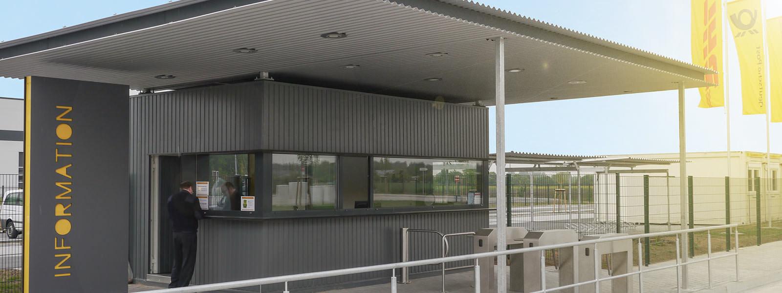 Containerpfoertnerhaus flexibel einsetzbar