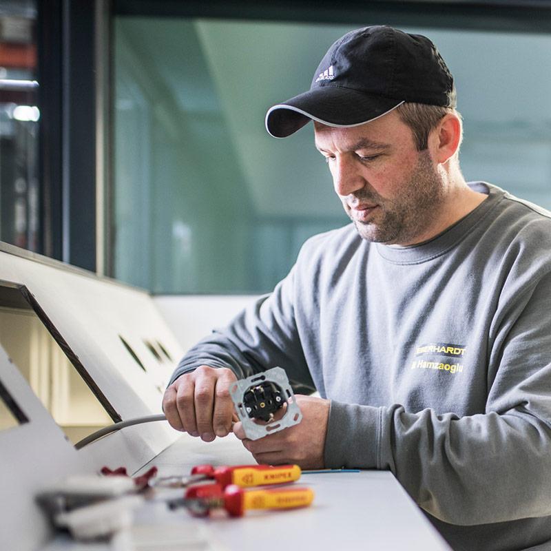 Stellenangebot Elektriker bei EBERHARDT Raumsysteme